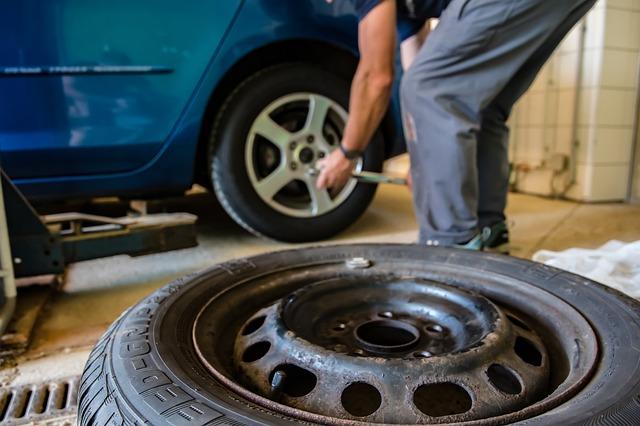Při výběru pneumatik dejte na tradiční, ověřené značky. Vyhnete se tak nákupu pověst nekvalitních a nespolehlivých pneumatik.
